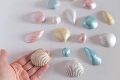 Gypsum 4 seashells set  Beautiful metallic, gypsum seashells - best decor to your bathroom, beach house or... your wedding!  Made in Poland.  #seashells #gypsumseashells #seadecor #sea #beachhouse #bathroomdecor #metalliccolors #justinecrafts #jdecor