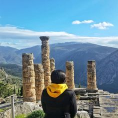 Heading to Greece soon? Try not to miss Meteora and Delphi – My Travel Stamps