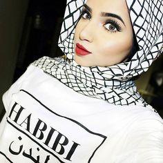 Urban chic black and white hijab from ♡ Stylish Dpz, Stylish Girl, Muslim Girls, Muslim Women, Hijab Hipster, Modest Fashion, Fashion Outfits, Hijab Fashion Inspiration, Modest Wear