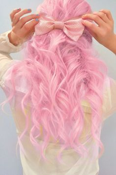 Dye your hair simple & easy to ombre Electric hair color - temporarily use ombre pink hair dye to achieve brilliant results! DIY your hair ombre with hair chalk Pink Hair Dye, Dye My Hair, Lilac Hair, Baby Pink Hair, Ombré Hair, Hair Bows, Hair Tie, Coloured Hair, Mermaid Hair