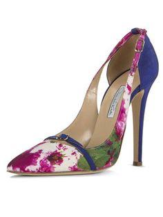Daniel Lawler reinventa los zapatos de Oscar de la Renta http://www.marie-claire.es/moda/disenadores/articulo/daniel-lawler-reinventa-los-zapatos-de-oscar-de-la-renta-701397648653