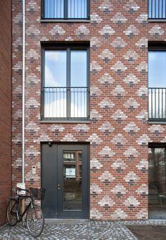 Terrace Building, Office Building Architecture, Brick Architecture, Building Facade, Residential Architecture, Architecture Details, Brick Cladding, Brick Facade, Modern Entrance Door
