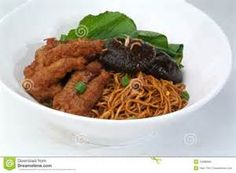 Malaysia Food: dried wanton noodle with chicken feet and mushroom.