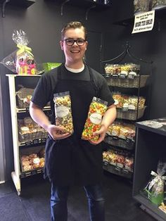 Today is the day!! Win TWO FREE LARGE bags of Candied Popcorn! Citrus Cooler and Blueberry Muffin!!! Simply repin this image to be entered to WIN! #freepopcornfriday #discoveryourpassion Free Popcorn, Candy Popcorn, Blue Berry Muffins, Large Bags, Blueberry, Friday, Image, Blueberry Crumb Muffins, Berry