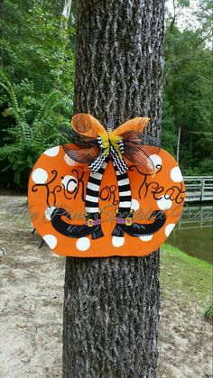 Halloween door hanger by ThePinkSpeckledFrog on Etsy