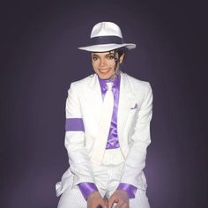 smooth criminal--love his smile in this photo :)