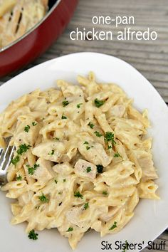 One-Pan Cheesy Chicken Alfredo on SixSistersStuff is perfect for dinner tonight!
