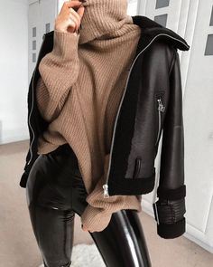 1 chemise, 5 looks mode rebelles. Winter Fashion Outfits, Fall Winter Outfits, Look Fashion, Trendy Outfits, Autumn Fashion, Fashion Bags, Cold Winter Fashion, Winter Outfits For Teen Girls Cold, Fashion Women