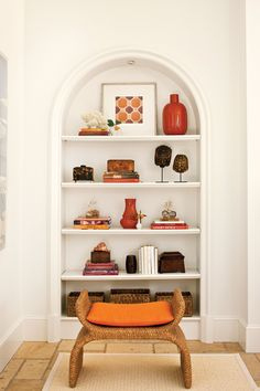 How To Style Open Shelves Decorating expert Phoebe Howard shares the secrets behind her curated and compelling arrangements. Decorating Bookshelves, Bookshelves Built In, Built Ins, Bookcases, Book Shelves, Bookshelf Bench, Bookshelf Plans, Recessed Shelves, Open Shelving