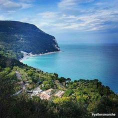 Sirolo - Riviera del Conero (AN) Nell'attesa del tempo bello per goderci questo spettacolo!   Foto di @fabbro08 ◾◾◾◾◾◾◾◾◾◾◾◾ Tag : #yallersmarche #yallersitalia
