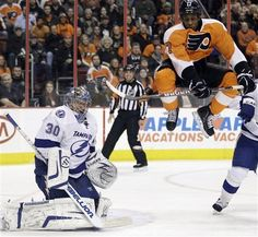 Wayne Simmonds on 3/26/12