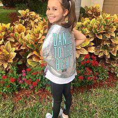 Dance to the beat of your own drum.   @justice .    #ad #sponsored #collab #livejustice #girlswithheart #fallfashion #fashionblog #momblog #tweenfashion #nycmoms #miamimoms #parentingblog #mommyblogger #momblogger #youtubekids #youtuber #brandambassador #brandrep #childmodel #Miamichildmodel #mackenzieziegler #kenzieziegler #kenzie #dance #activewearforgirls #dancewear #hiphop #dance