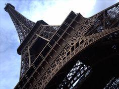 UFO-Drohnen überfliegen Paris: Behörden immer noch ratlos . . . http://grenzwissenschaft-aktuell.blogspot.de/2015/02/ufo-drohnen-uberfliegen-paris-behorden.html . . . Abb.: grewi.de