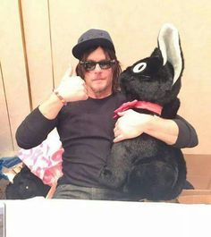 Reedus and his big kitty