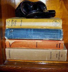 Opera glasses, old books