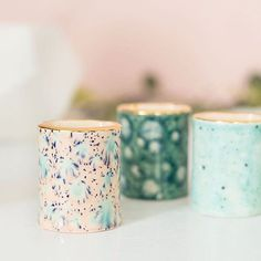 Mini gold rimmed vases by @quiteclementine