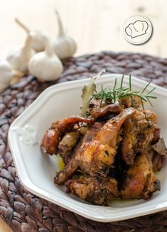 receta de conejo al ajillo Spanish Kitchen, Spanish Cuisine, Spanish Food, Meat Steak, Exotic Food, Carne Asada, Roll Ups, Your Recipe, Steak Recipes