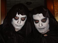 Skulls. Spiderman, Face And Body, Body Painting, Skulls, Halloween Face Makeup, Pirates, Princesses, Faces, Spider Man