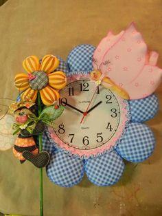 "Super Cute Foam Flower Clock ""FOFUCHAS""  ((3D Craft Foam Art))  100% Foamie Christmas Clock, Christmas In July, Foam Crafts, Diy And Crafts, Craft Foam, 3d Craft, Fabric Animals, Diy Clock, Fun Projects"