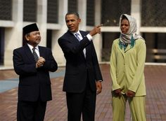 Obama Visits Mosque In Malaysia And Says Something Very Disturbing There