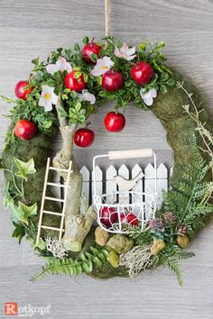 decor ideas uk decor ideas 5 minute crafts ideas for events ideas small apartment decor ideas vsco ideas with ladders ideas trunk decor ideas for 1 bhk Wreath Crafts, Diy Wreath, Door Wreaths, Easter Wreaths, Holiday Wreaths, Christmas Decorations, Table Decorations, Diy Ostern, Deco Floral