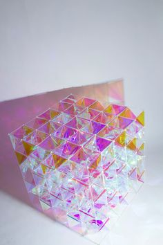 SO-IL and 3M Architectural Markets designed a kite using an ethereal film for glass surfaces that plays with light by reflecting and creating color shifts.