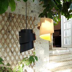 Lampe i sort eller hvid plast. Loftslamper - 3-Nordic