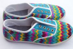 How to make Sharpie - Chevron Shoes - DIY Craft Project with instructions from Craftbits.com