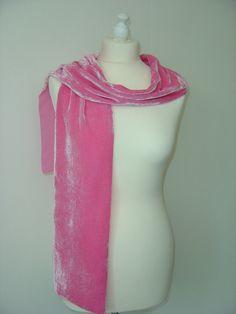 Seidenschals - Schal Seidensamt Kitty pink - ein Designerstück von hofatelier-mode bei DaWanda