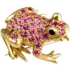 Frog Pin Pink Sapphires Onyx Eyes ($4,950) ❤ liked on Polyvore featuring jewelry, brooches, 18 karat gold jewelry, black onyx jewelry, pink sapphire jewelry, pin brooch and pin jewelry
