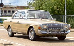 1966 Ford Taunus 20M TS/P5 Linousine 2.0L Ford Cologne V6 100Bhp Engine (Photo by Clay)