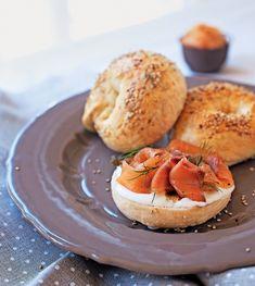 Klasszikus bagel Bagel, Camembert Cheese, Dairy, Food, Steel, Meals