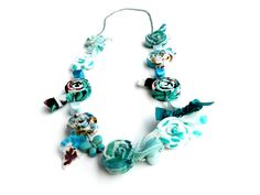 Textile necklace Fabric Statement Necklace por PriFabricsAndBeads