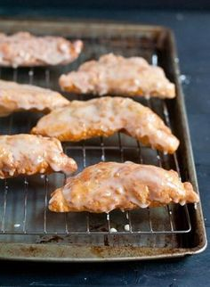 Glazed Amish Apple Fried Pies are the perfect fall dessert. Thicken with butter and flour for pie filling. Fry in coconut oil. Apple Desserts, Apple Recipes, Just Desserts, Delicious Desserts, Yummy Food, Tart Recipes, Fried Apple Pies, Fried Pies, Dutch Recipes