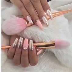 Soft and very pretty. I must do! #nailartdesigns