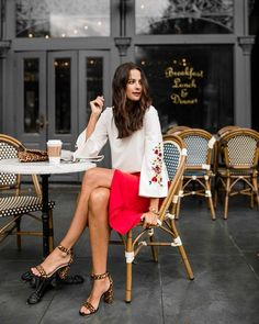the miller affect wearing a red pencil skirt from ann taylor Coffee Photography, Photography Women, Fashion Photography, Pinterest Photography, Trendy Outfits, Fashion Outfits, Ladies Fashion, Celebrities Fashion, Fashion Trends