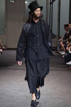 ヨウジヤマモト──2017春夏パリ・メンズコレクション|メンズコレクション(ファッションショー)|GQ JAPAN