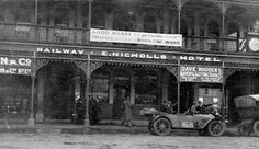 1913 Victoria's Country Roads Board in it's one car, an Itala called 'Prudence' outside the Railway Hotel in Warragul, Victoria. Australia Photos, Melbourne Australia, Melbourne Suburbs, Victorian Photos, My Family History, Shop Fronts, Victoria Australia, Vintage Shops, Vintage Cars