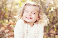 natural emotions from children in photos, making kids laugh, childrens photography, family photography, fall photo session