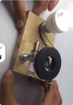 Diy Crafts Hacks, Diy Home Crafts, Diy Projects, Electrical Projects, Electronics Projects, Basic Electrical Wiring, Solar Shower, Diy Shower, Metal Working Tools