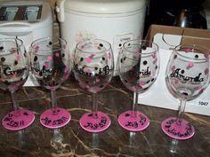 DIY painted bridesmaid wine glasses : wedding pink bridesmaids diy Wine Glasses omg doing this Diy Wine Glasses, Decorated Wine Glasses, Painted Wine Glasses, Craft Gifts, Diy Gifts, Diy Projects To Try, Craft Projects, Vinyl Projects, Bridesmaid Wine Glasses