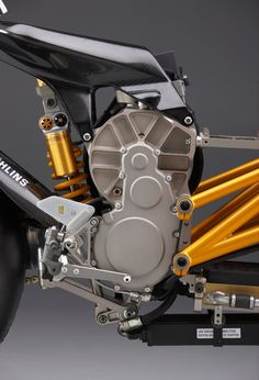 ♂ Motorcycle details gold silver & black
