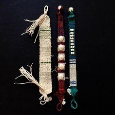 Textile Jewelry, Jewelry Art, Jewelry Necklaces, Alpha Art, Bangle Bracelets, Bangles, Textiles, Friendship Bracelets, Tassel Necklace