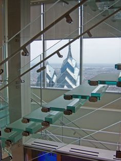 Amazing 20m high, self-supporting all-glass staircase by Seele.