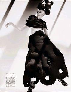 Yumi Lambert by Mario Testino For Vogue Japan November 2014 Fashion Editor: Anna Dello Russo Clothing: Comme des Garcons Beauty: Katsuya Kamo Nails: Naoko Takano Mario Testino, Anna Dello Russo, Magazine Japan, Vogue Magazine, Vogue Japan, Miranda Kerr, Fashion Shoot, Editorial Fashion, Redhead Characters
