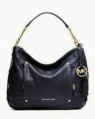 Michael kors tote and wallet Xtra large bag super nice Michael Kors Bags Totes