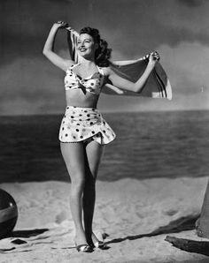 Ava Gardner in 1940s polka dot swimsuit