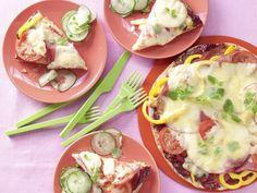 Pita-Pizza mit Gurkensalat