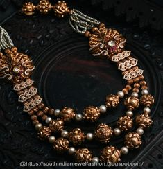20 Exclusive Bold Bridal Jewels Every women likes to wear Antique Jewellery Designs, Beaded Jewelry Designs, Gold Jewellery Design, Antique Jewelry, Gold Jewelry, Antique Necklace, Gold Necklaces, Pearl Jewelry, Antique Gold