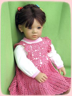 """ANNETTE HIMSTEDT """"LILIANE"""" 27"""" FACES OF FRIENDSHIP SERIES DOLL, 1991-92"""